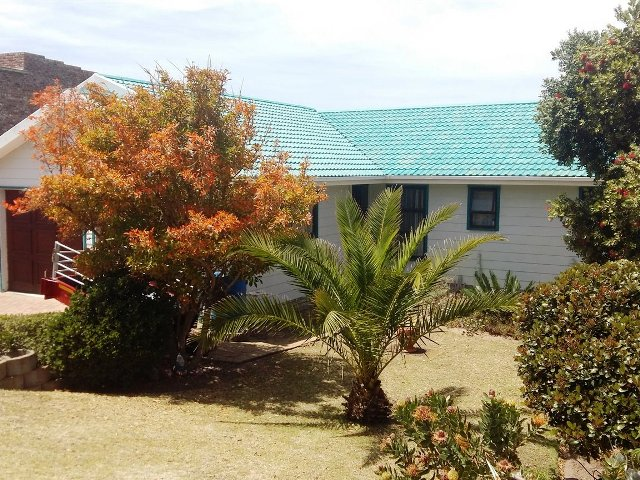 Property & Real Estate Sales - House in Reebok, Mossel Bay, Western Cape, South Africa