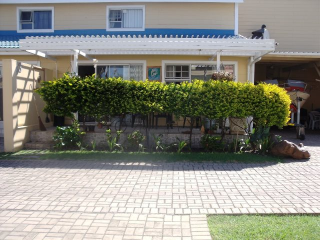 Property & Real Estate Sales - House in Hartenbos, Mossel Bay, Mossel Bay, South Africa