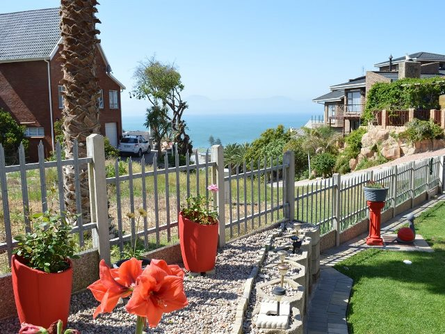 Property & Real Estate Sales - House in Mossel Bay, Mossel Bay, Mossel Bay, South Africa
