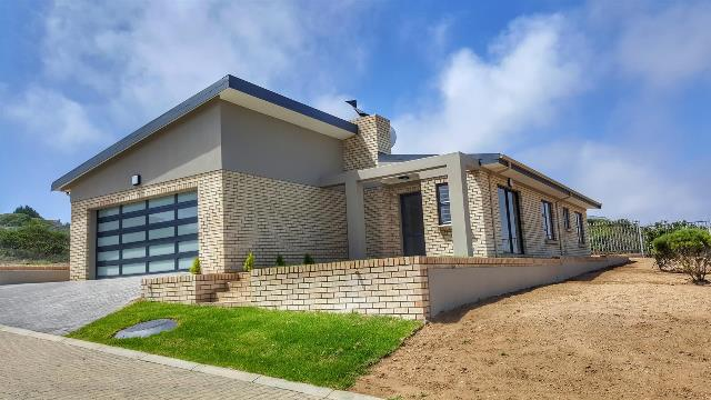 Property & Real Estate Sales - House in Dana Bay, Mossel Bay, Mossel Bay, South Africa