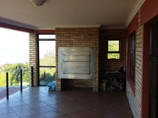 Property & Real Estate Sales - Property Ref HGR - 252567 - House in Grootbrak Rivier, Mossel Bay, South Africa