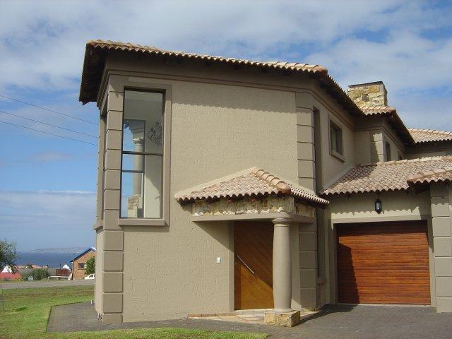 Property & Real Estate Sales - House in Reebok, Rheebok, Garden Route, South Africa