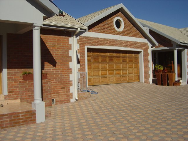Property & Real Estate Sales - Duet in Tergniet, Reebok, Garden Route, South Africa