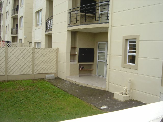 Property & Real Estate Sales - Apartment in Reebok, Reebok, Garden Route, South Africa